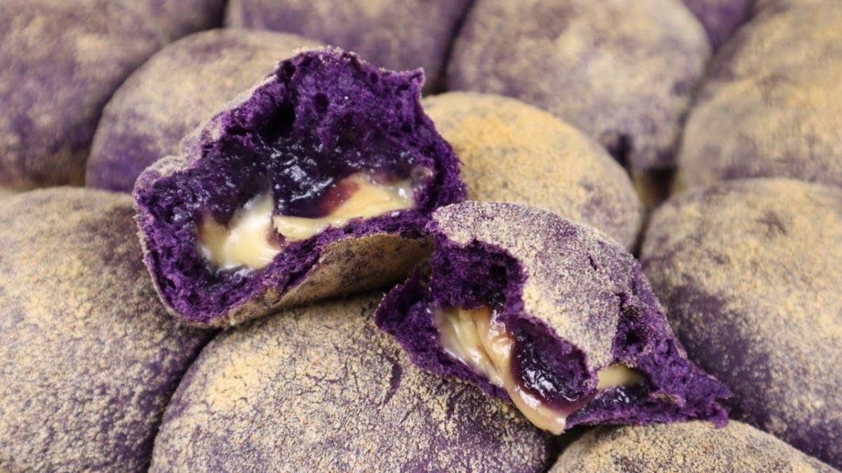 Best Ube Pandesal Recipe with Cheese and Ube Jam Filling